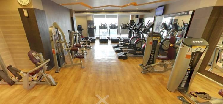 Gold's Gym-New Raj Nagar-3822.JPG