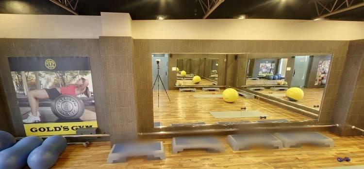 Gold's Gym-New Raj Nagar-3817.JPG