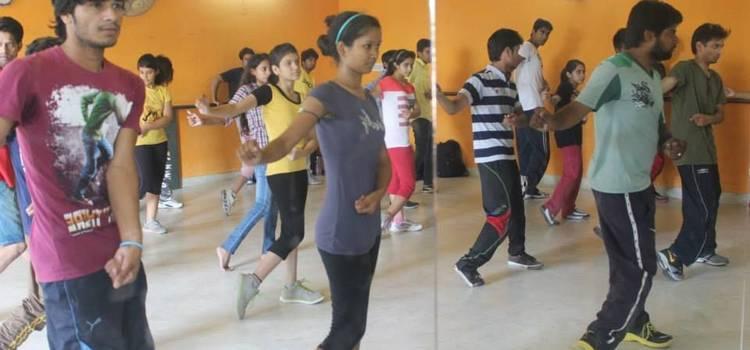 Buskers The Dance Institute-Ambabari-7620.jpg