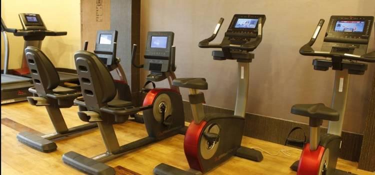 Gold's Gym-New Raj Nagar-3825.JPG