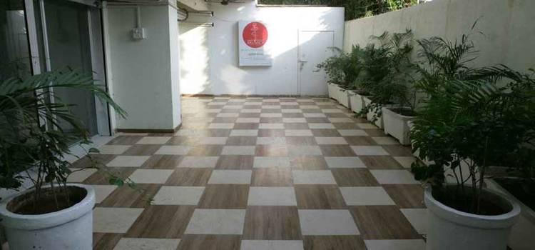Studio Balance-Charni Road-4255.jpg