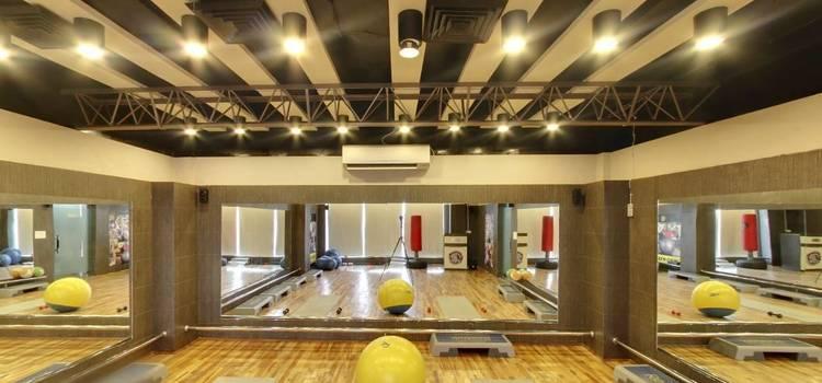 Gold's Gym-New Raj Nagar-3816.JPG